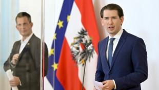 Bundeskanzler Kurz und Gesundheitsminister Mückstein zeigten sich hocherfreut über die gestiegene Impfbereitschaft. (Bild: APA/HERBERT NEUBAUER)