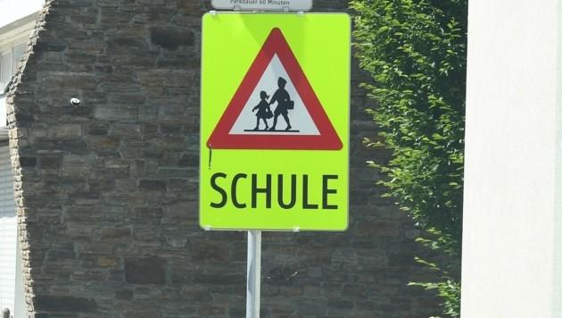 Eine Namensgleichheit führte zum Fehler in der verkehrsberuhigten Schulstraße (Symbolbild). (Bild: P. Huber)