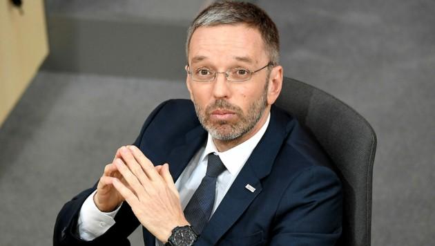 """FPÖ-Chef Herbert Kickl ist """"guten Gewissens ungeimpft"""". (Bild: APA/Roland Schlager)"""