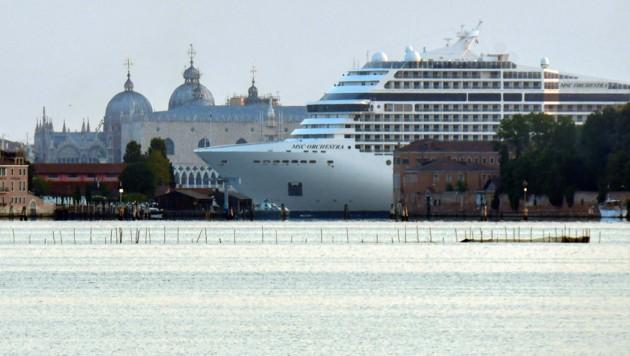 Die MSC Orchestra legte am Donnerstag in Venedig an. (Bild: AFP)
