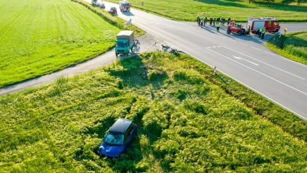 Diese Aufnahme zeigt die Unfallstelle (Bild: FOTOKERSCHI.AT / BRANDSTÄTTER)