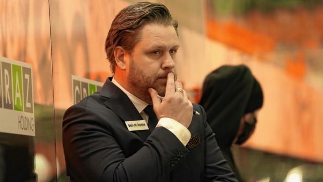 Trainer Jens Gustafsson und die 99ers haben einen neuen Torhüter verpflichtet. (Bild: Sepp Pail)