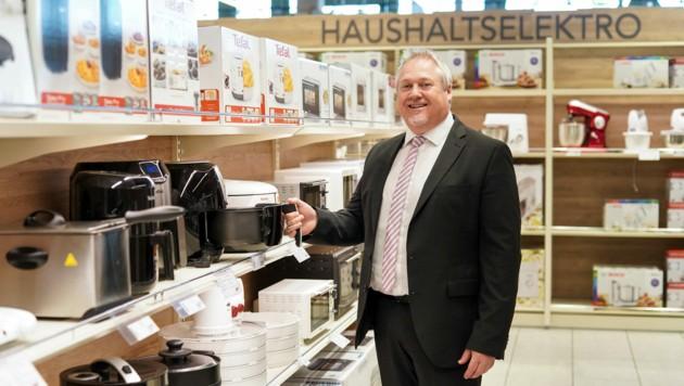 """""""Es wird weiter verstärkt ins eigene Zuhause investiert"""", stellt Maximarkt-Chef Schrenk fest. (Bild: Markus Wenzel)"""