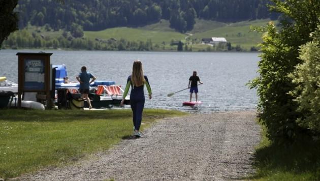 Gäste schätzen besonders Campingplätze direkt an Seen. (Bild: Tröster Andreas)