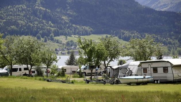 Die 140 Stellplätze am Seecampingplatz Appesbach sind über Fronleichnam zum ersten Mal komplett belegt. (Bild: Tröster Andreas)