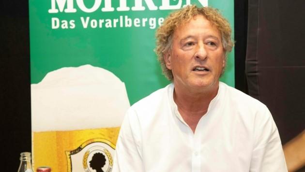 Rothosen-Sportchef Peter Handle freut sich über die ersten Neuzugänge für die kommende Saison. (Bild: Maurice Shourot)