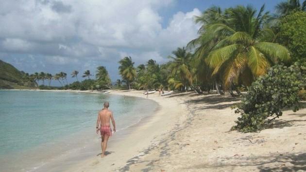 Reisen in die Ferne, wie in die Karibik (li.), sind derzeit schwierig, (Bild: Karl Grammer)