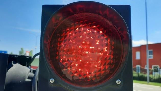 Ein Kreisverkehr soll zur Ampelkreuzung werden - das ist nicht jedem recht. (Symbolfoto) (Bild: P. Huber)
