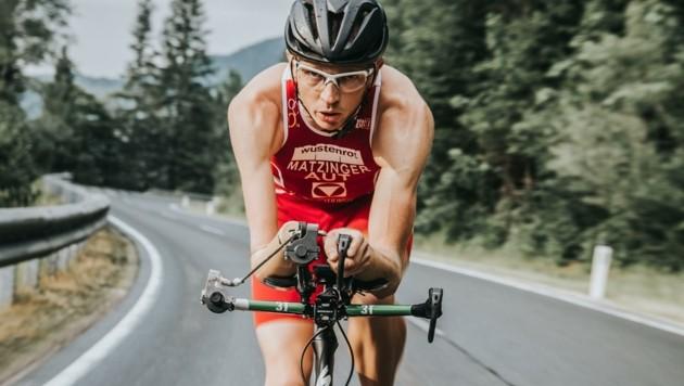 Holte auf dem Rad auf: Triathlet Günther Matzinger. (Bild: Thomas Kaserer)