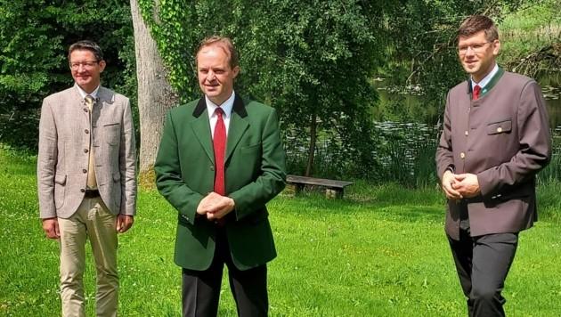 Von links nach rechts: Der neue Landwirtschaftskammer-Präsident Siegfried Huber, der heute zurückgetretene Präsident Johann Mößler und ÖVP-LR Martin Gruber. (Bild: Fritz Kimeswenger)
