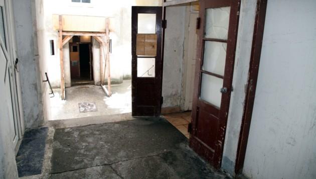 In diesem Abbruchhaus kam es zum Mord. (Bild: ANDI SCHIEL)