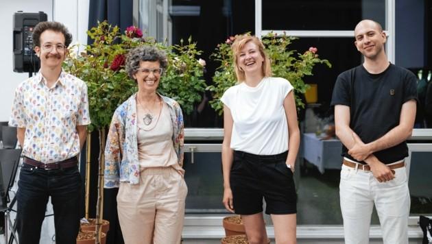 Heidrun Primas (2. v. li.) übergibt die Leitung des Forums an Robin Klengel, Miriam Schmid und Markus Gönitzer (v. li.). (Bild: Lena Prehal)