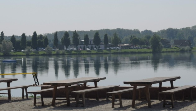 Die Feldkirchener Badeseen sind ein beliebtes Erholungsgebiet, die neue Parkraumbewirtschaftung sorgt aber für viel Ärger (Bild: Markus Schuetz)