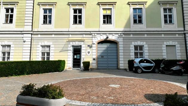 Tatort soll die Justizanstalt Klagenfurt gewesen sein: Ein Beamter muss nach Sex-Vorwürfen vor Gericht. (Bild: Kerstin Wassermann)