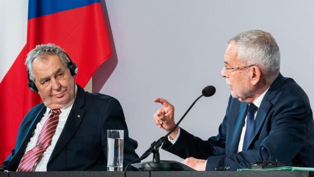 Van der Bellen (re.) und Zeman sprachen über die schwierigen Beziehungen zu Russland. (Bild: APA/GEORG HOCHMUTH)
