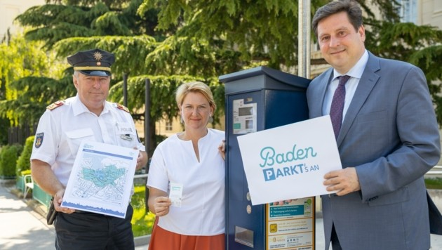 Präsentierten das Zwei-Zonen-Modell: Stadtpolizeikommandant Walter Santin, Helga Krismer und Stefan Szirucsek (re.). (Bild: 2021psb/c.kollerics)