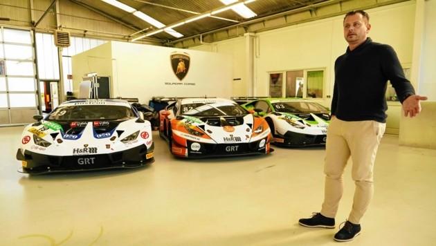 """Auf Besuch in den """"heiligen Lamborghini-Hallen"""" (Bild: Sepp Pail)"""