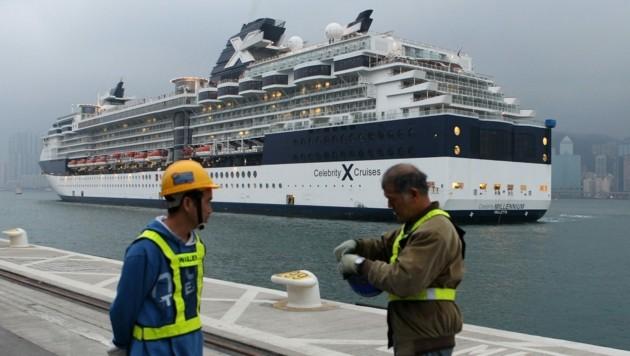 """Auf der ersten voll geimpften Kreuzfahrt auf der """"Celebrity Millennium"""" sind zwei Passagiere positiv auf das Coronavirus getestet worden. (Bild: AFP)"""