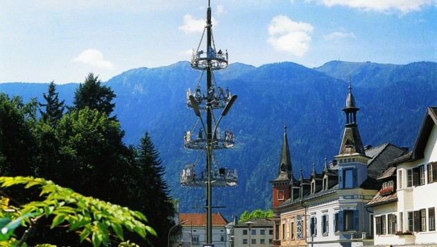Schon Ende Juni soll der sogenannte Stammbaum der Stadt die City wieder bereichern. (Bild: Stadtarchiv Spittal)