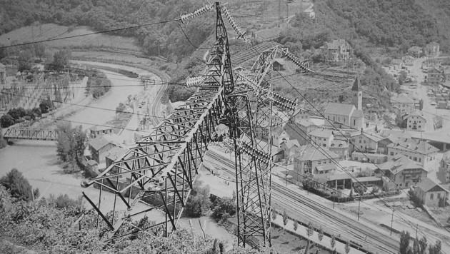 """Insgesamt 37 Strommasten wurden in der """"Feuernacht"""" im Jahr 1961 in Südtirol gesprengt. (Bild: zVg)"""