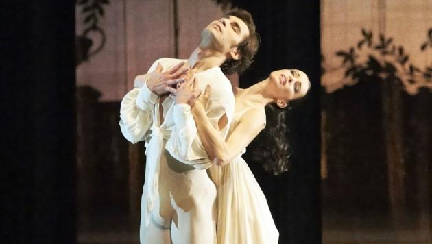 Stars wie Elena Bataro oder Mischa Sosnovschi und Irina Tsymbal tanzen auf. (Bild: Michael Poehn)