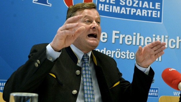 Integrationslandesrat Gottfried Waldhäusl (Bild: APA/HERBERT PFARRHOFER)