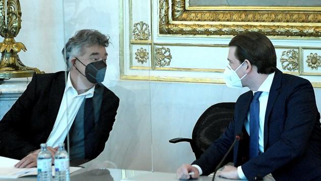 Vizekanzler Werner Kogler (Grüne) hat sich bisher erfolgreich vor einer Beantwortung der Frage gedrückt, was denn im Falle einer Anklage von Kanzler Sebastian Kurz (ÖVP) passieren sollte. (Bild: APA/ROLAND SCHLAGER)