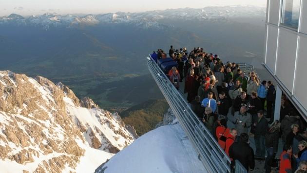 Am Dachstein ist die Zahl der Gäste schon jetzt limitiert, man muss vorab reservieren (Bild: KRONEN ZEITUNG)