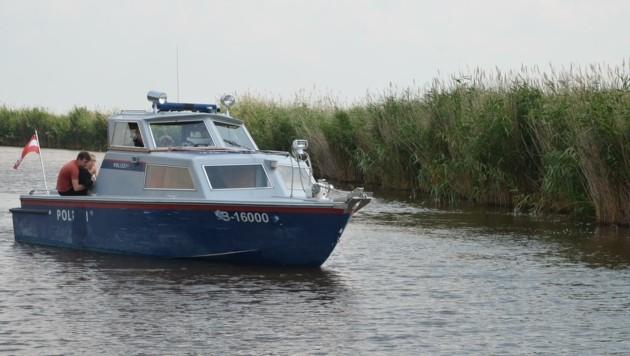 Die Polizei ist nun regelmäßig per Boot auf dem Wasser unterwegs. (Bild: christian schulter)