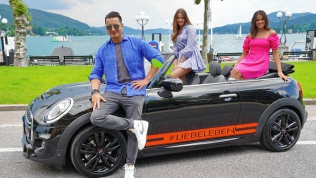 Gute-Laune-Feeling: Andreas Gabalier wird einen Fan im Cabrio chauffieren. (Bild: Sepp Pail)