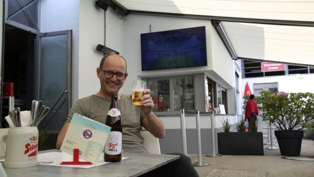 Freibad trifft Sportbar: Im Volksgarten werden sämtliche EM-Spiele auch auf der sonnigen Terrasse gezeigt (Bild: Tröster Andreas)