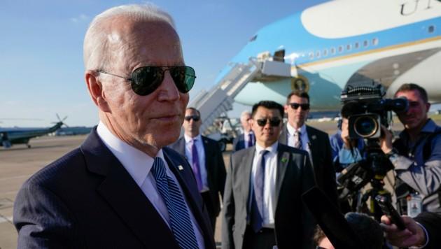 US-Präsident Joe Biden auf seinem Weg von Großbritannien nach Brüssel zum NATO-Gipfel (Bild: Associated Press)