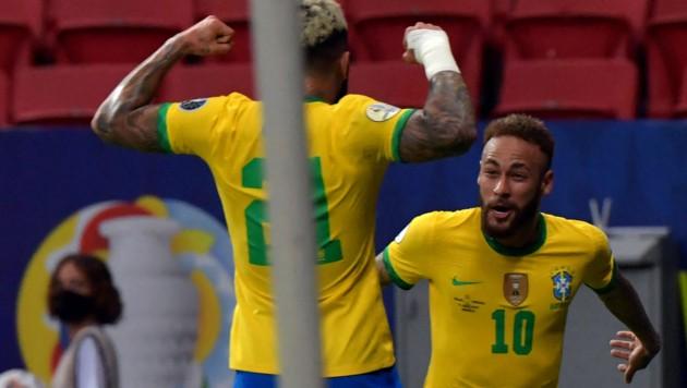 Gabriel Barbosa (L) mit Neymar (Bild: AFP)