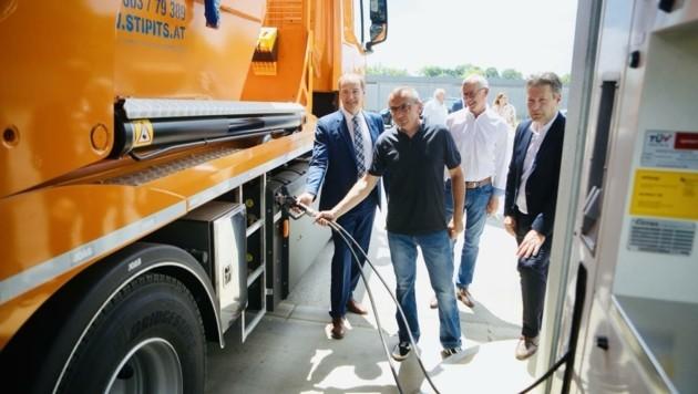 Beim Festakt wurde der 20. Biogas-Lkw in Betrieb genommen (Bild: Schulter Christian)