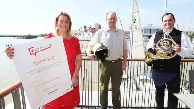 Landesrätin Daniela Winkler startet mit der Feuerwehr und dem Blasmusikverband eine Ehrenamtsoffensive. (Bild: Judt Reinhard)