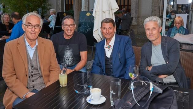 40 Jahre Hektiker: Werner Sobotka, Viktor Gernot, Wolfgang Fifi Pissecker und Florian Scheuba (Bild links, von links). (Bild: Starpix/ Alexander TUMA)