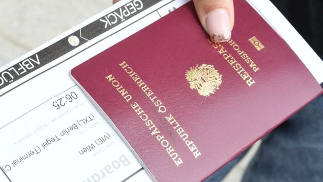 Mit der Staatsbürgerschaft bekommt man Pass und Wahlrecht. Doch nicht alle erhalten das Privileg. (Bild: Scharinger Daniel)