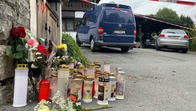 Kerzenmeer am Schauplatz der Tragödie von Kitzbühel (Bild: Alexander Bischofberger-Mahr)