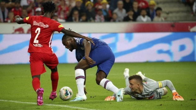 Will wieder gegen Chelsea spielen - am liebsten in der Champions League: Philipp Köhn (re.) (Bild: Tröster Andreas)
