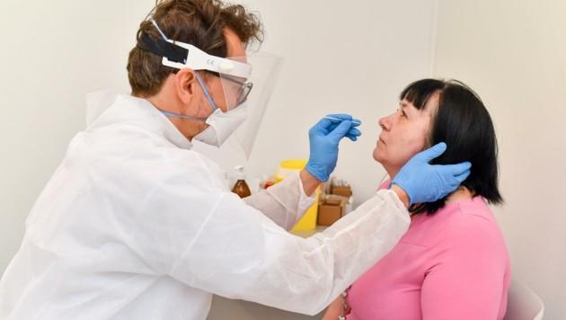 Allein die PCR-Tests haben seit Beginn der Pandemie etwa neun Millionen Euro gekostet. (Bild: Dostal Harald)