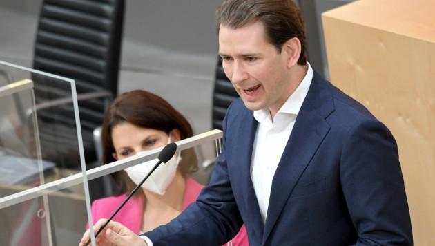 Bundeskanzler Kurz bei seiner Rede am Mittwoch im Nationalrat (Bild: APA/Roland Schlager)
