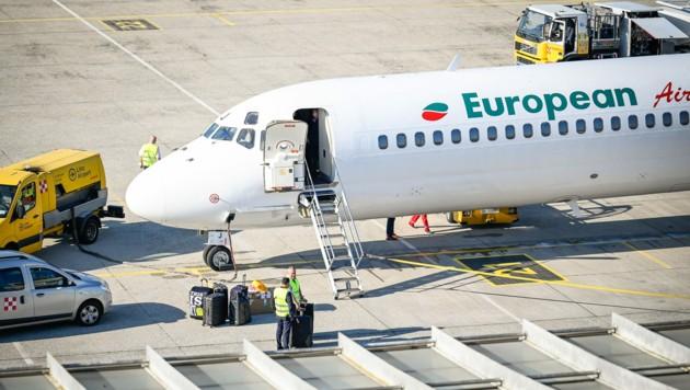 15 Urlaubsflüge pro Woche werden in der Hochsaison ab Linz angeboten. (Bild: Alexander Schwarzl)