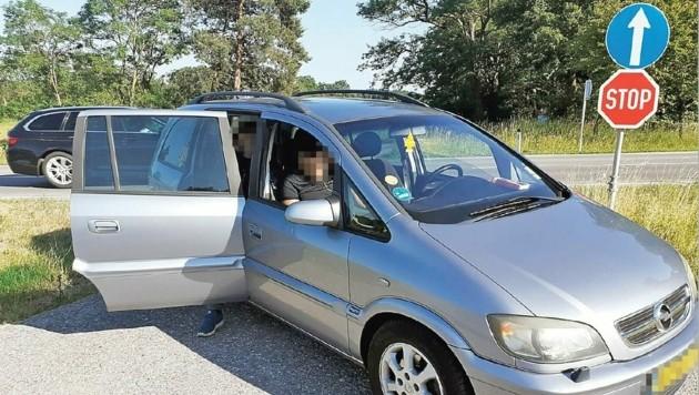 Hier war die Schlepperfahrt für drei der sieben Syrer zu Ende. Der Chauffeur sitzt seither in der Justizanstalt Eisenstadt. (Bild: Christian Schulter)