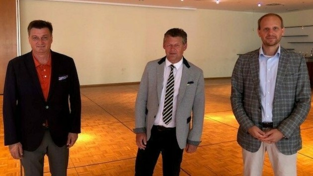 Präsident Jürgen Mandl, Bürgermeister Christian Scheider und K-BV Vorstand Martin Payer (v.l) bei der Generalversammlung. (Bild: Kärntner Messen)