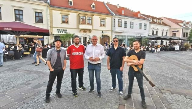"""Das erste """"Music in the City"""" mit der Band Schilfgürtel war bereits gut besucht. (Bild: Magistrat Freistadt Eisenstadt)"""