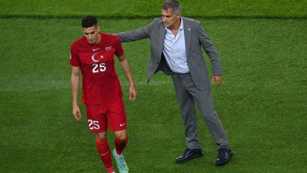 Ex-Rapidler Mert Müldür (li.) und Teamchef Senol Günes haben derzeit nicht viel zu lachen. (Bild: AFP)
