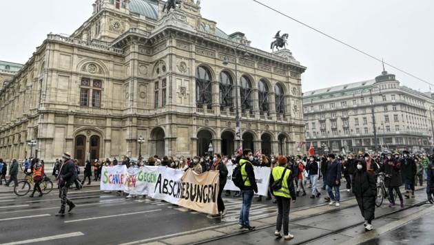 "Die Demonstration ""Schüler_Innen gegen Abschiebungen"" fand am 6. Februar in Wien statt. (Bild: APA/HERBERT NEUBAUER)"
