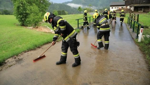 Die Feuerwehr hatte wieder alle Hände voll zu tun. (Bild: Thomas Zeiler)