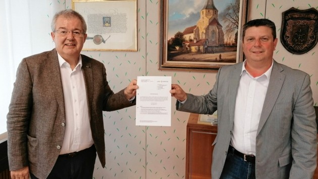 Die Bürgermeister Walter Zemrosser und Günther Kerndle. (Bild: zVg)