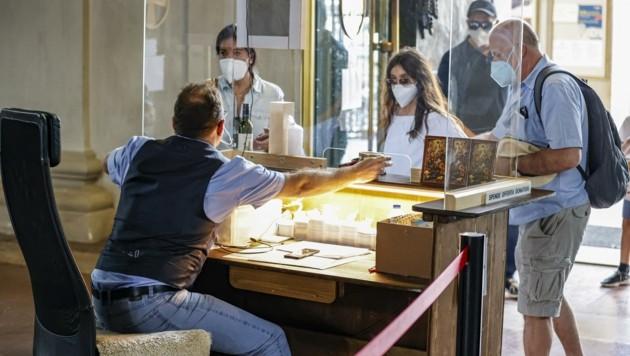 Noch werden Besucher am Eingang um eine Spende gebeten, ab 23. Oktober gilt dann: 5 Euro. (Bild: Tschepp Markus)